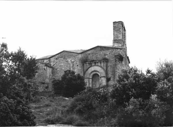 Imatge d'una part del Castell. La Llacuna (Anoia) 19??. Autor: DGPC. Servei de Suport Tècnic i Inventari. Generalitat de Catalunya, Departament de Cultura.