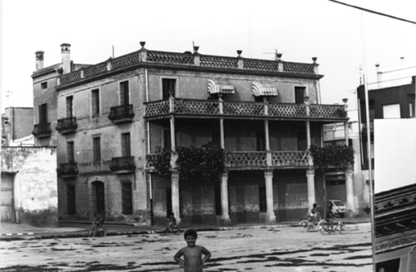 Casa Carvallo, on va residir Sebastià Juan Arbó a Amposta (Montsià) 1982. Autor: Artur López. Generalitat de Catalunya, Departament de Cultura.