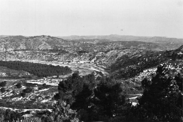 Vista d'una de les Serralades de la Terra Alta (Tarragona) 2004. Autor: Josep M. Pérez Suñé, Pere Rams i Folch. Generalitat de Catalunya, Departament de Cultura.