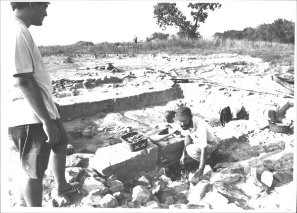 Excavacions arqueològiques al poblat iber d'Ullastret (Baix Empordà) 1991. Autor: Jordi Picazo. Ajuntament de Girona.