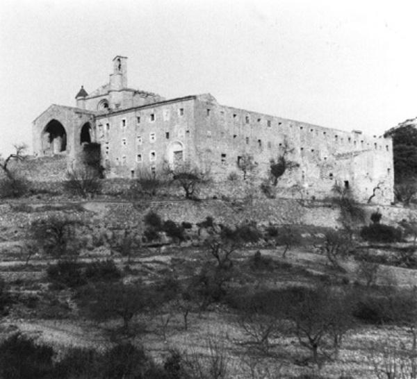 Imatge del Convent de Sant Salvador, Horta de Sant Joan (Terra Alta) 1988. Autor: Teresa Tosas i Jordà. Generalitat de Catalunya, Departament de Cultura.