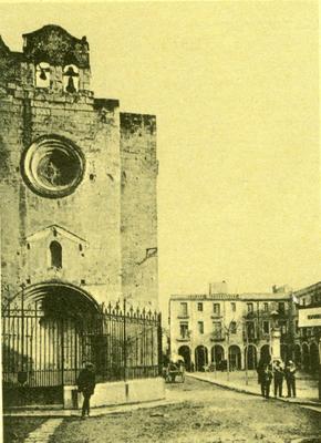 La capella de Sant Joan a principis del segle XX, abans de la restauració (postal antiga)